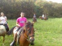 Regresando a caballo desde el campo