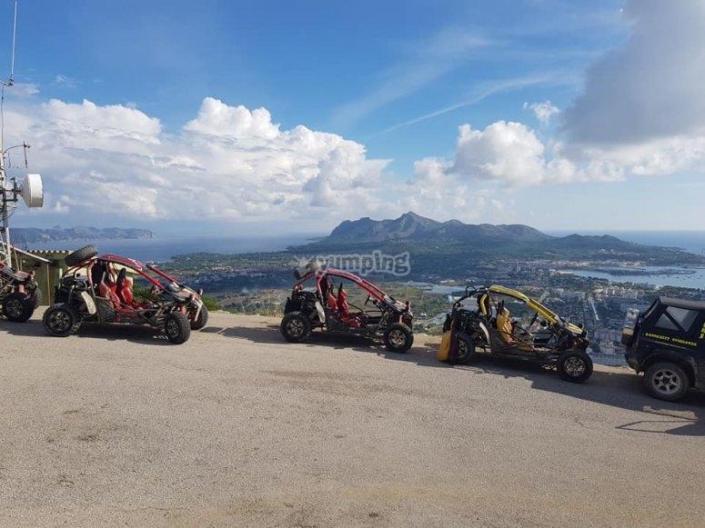 Buggies en posición para comenzar ruta Mallorca