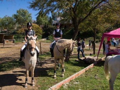 Ruta a caballo y degustación vino Mijas 2h