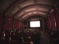 Sala de cine repleta