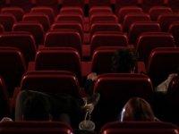 Sentados en el cine