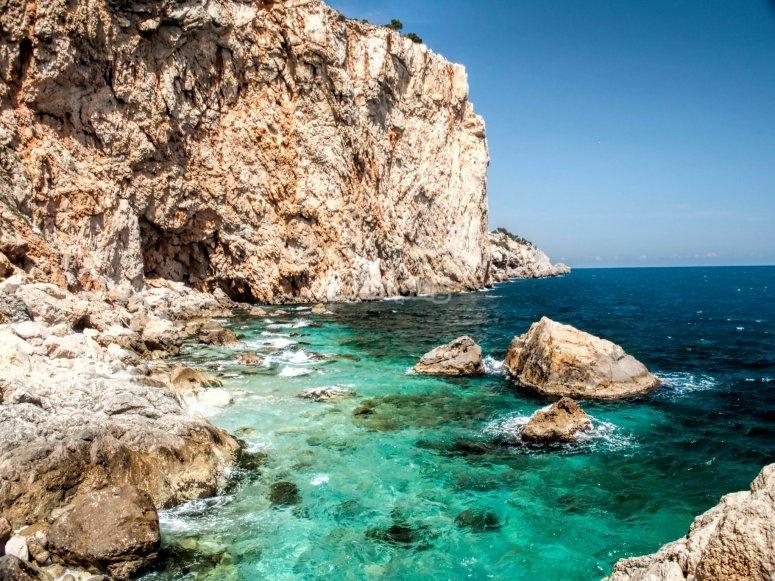 Cala en Islas Medes