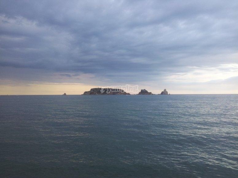 Islas Medes desde la costa de Girona