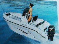 Noleggio di mezza giornata Barca per 6 persone Girona