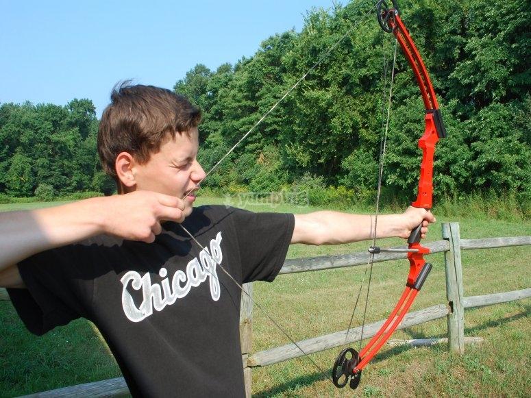 Tensando la cuerda del arco