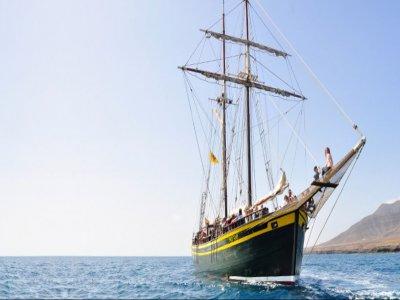海盗船路线在Puerto de Morro Jable 4 h