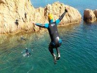 在赫罗纳海湾跳