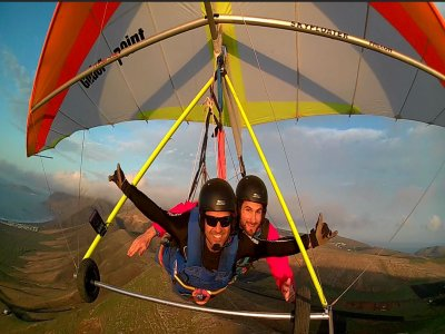 Hang glider flight 2-seater in Lanzarote island