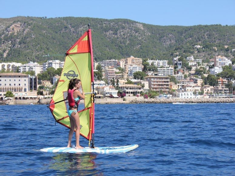 Windsurfing course for beginners