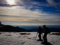 在Rasos de Peguera 2小时开始的雪球拍