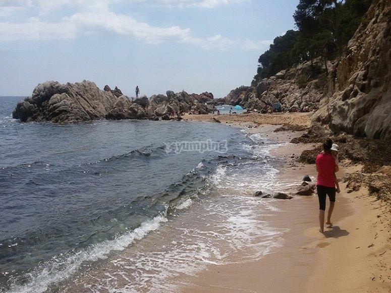 Ruta de senderismo playa de costa Brava