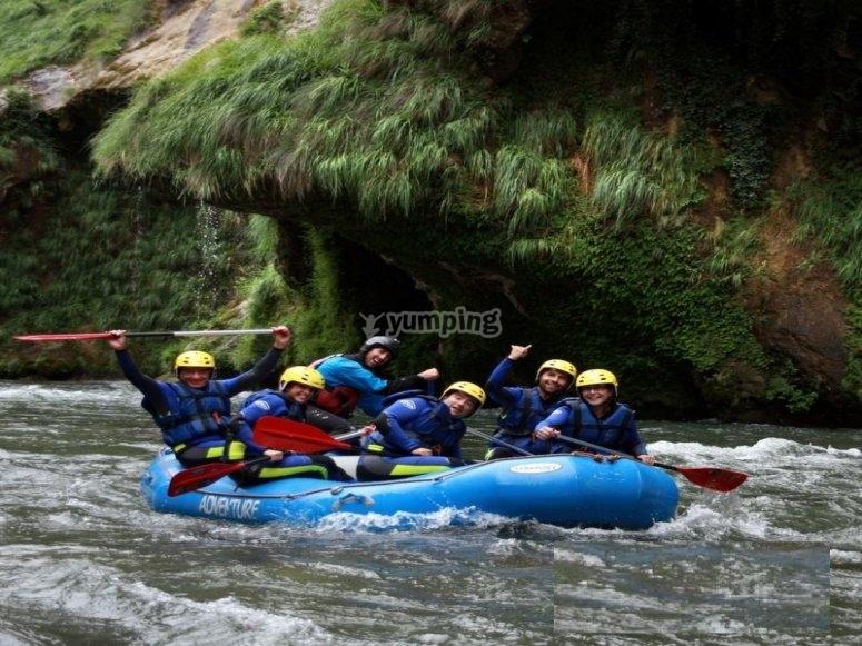 Descenso con guía profesional río