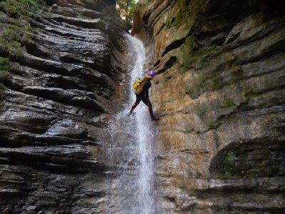 Canyoning initiation in Berròs 1h