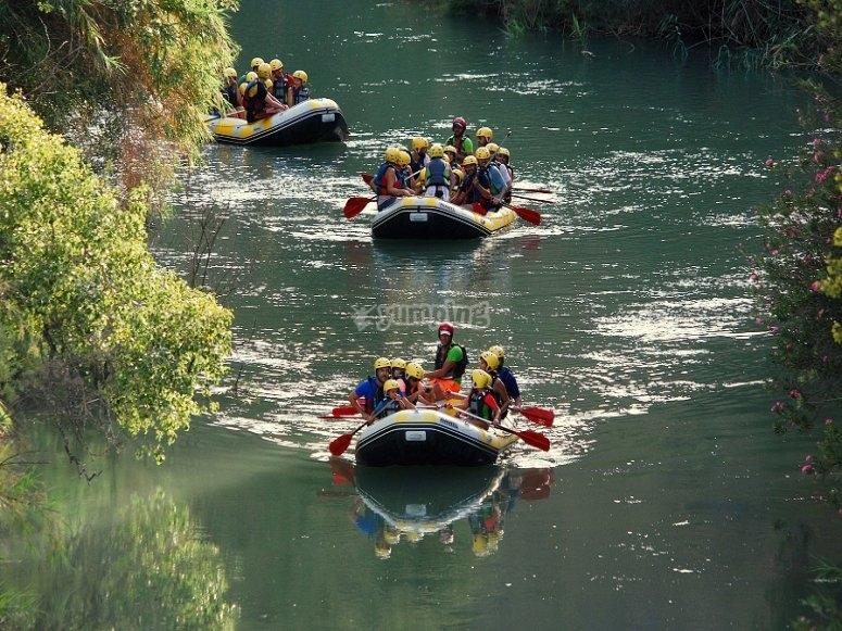 Partenza rafting per le scuole