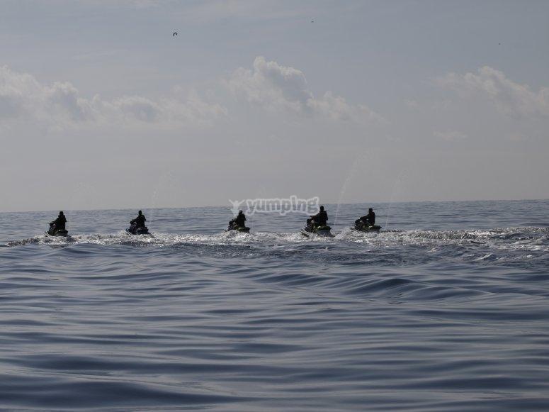Motos de agua en el Mediterráneo