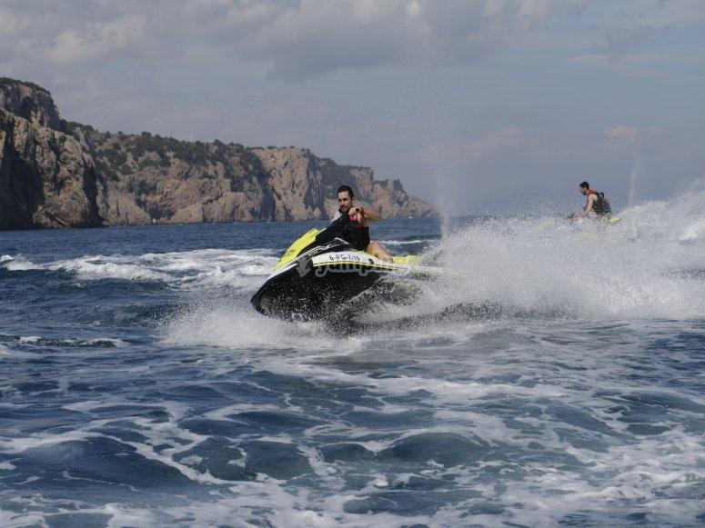Acrobacias con moto de agua