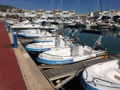 Alquiler de barco sin licencia en Alcocéber 3 h