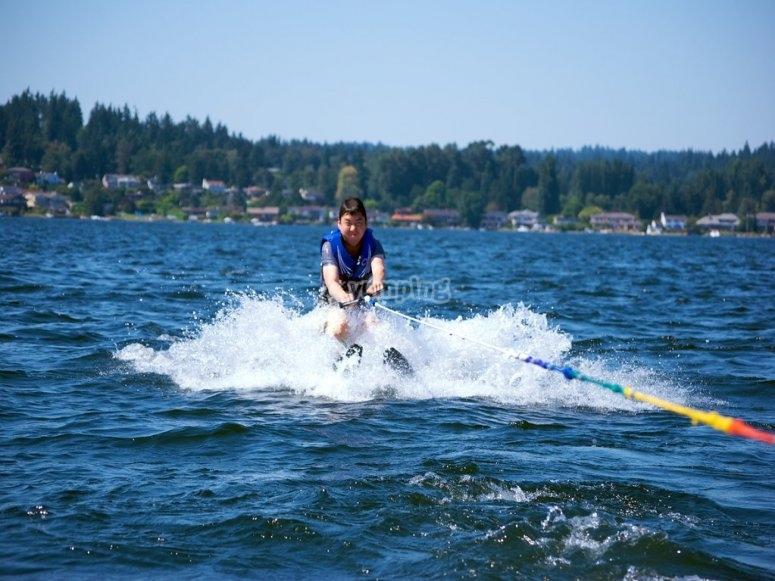 Alquiler material ski acuático