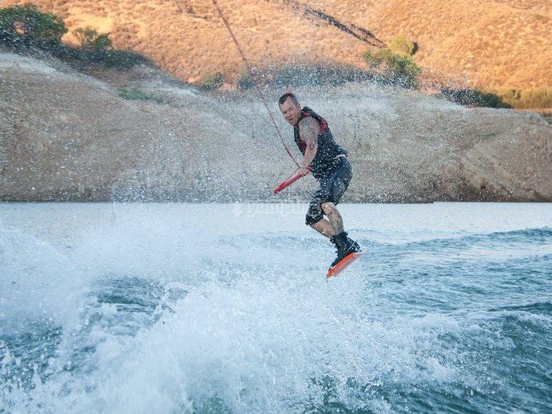 Alquilar de material de wakeboard