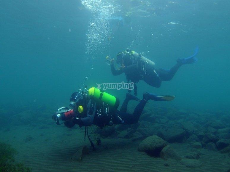 引导式潜水