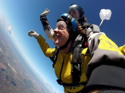 Parachute jump Summer Offer 3,000 m Seville