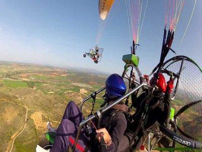 Paramotor biplaza acrobacia 30 min en Guadalajara