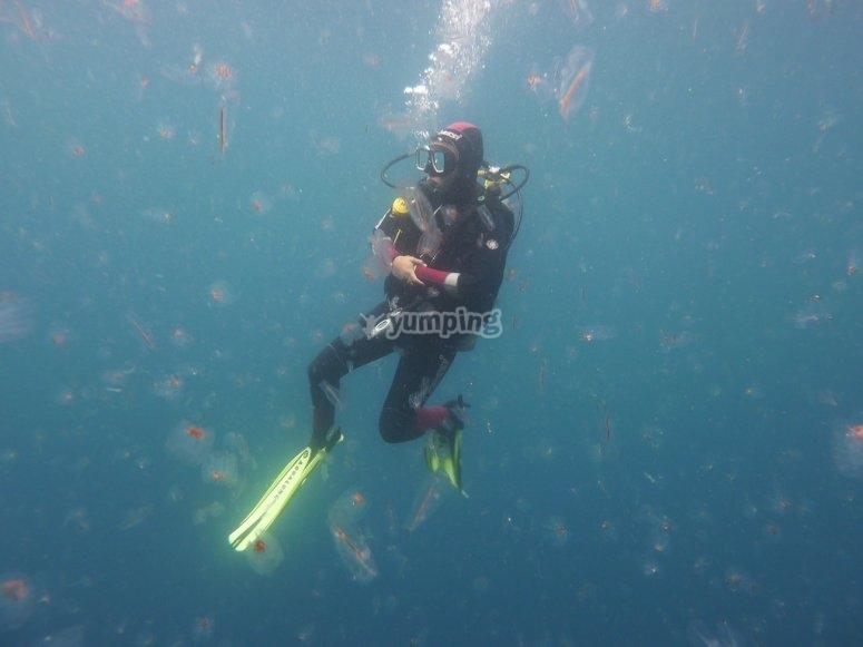 潜水教练的洗礼