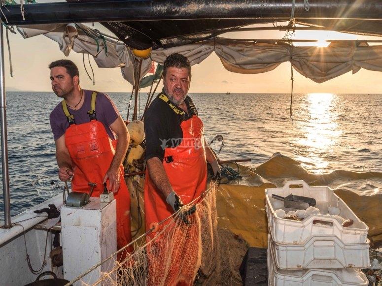 Pescadores faenando en Castellón