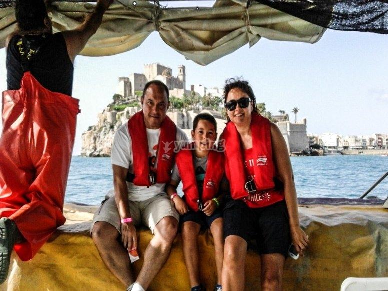 Familia de pesca turismo