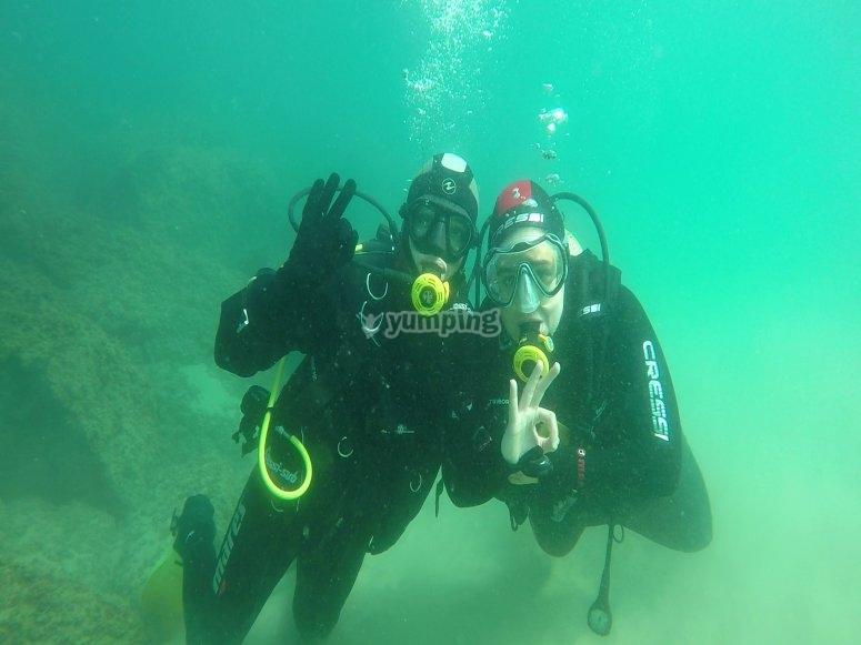 专业潜水员的指导
