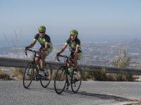 Ciclistas en subida