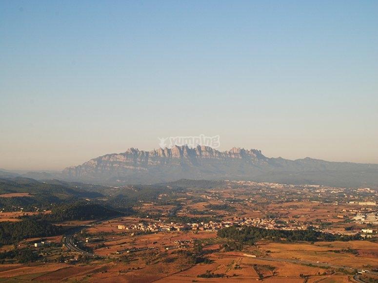 Montserrat da lontano