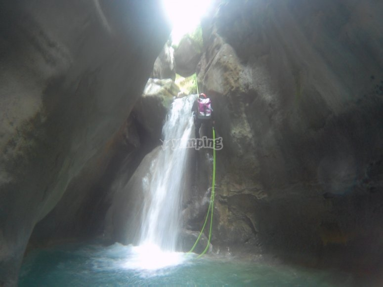 Canyoning for 3 hours in Lleida