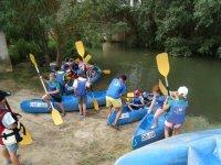 Subiendo a los kayaks