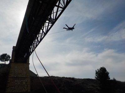 Bungee jumping per singolo addio a Villena e foto