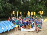 Preparados para montar en los kayaks