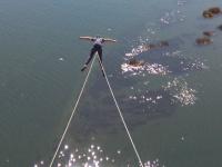 Bungee saltando sul fiume Miño ad Arbo