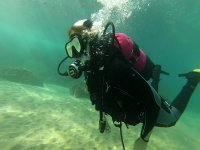 Buceando en el fondo marino del Mediterráneo