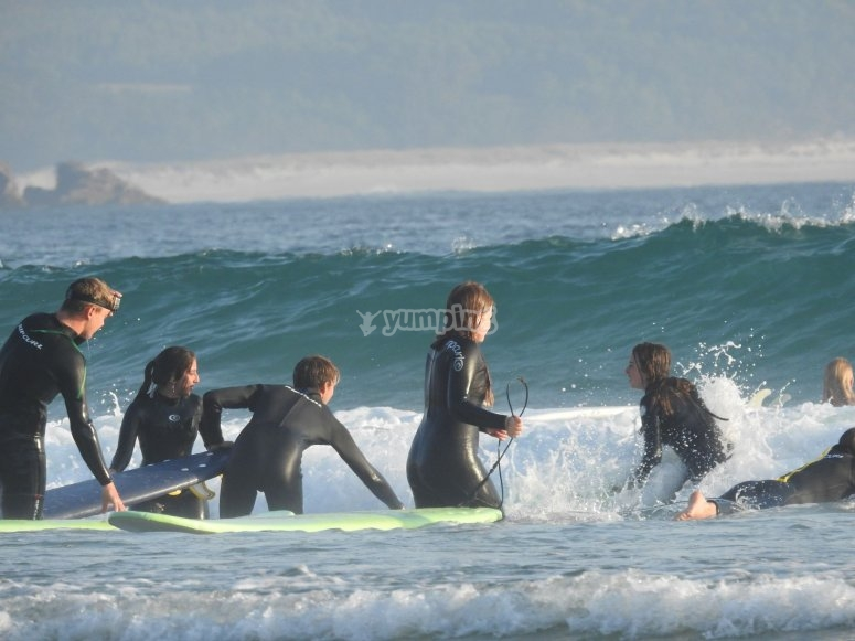 Surf lessons in camp