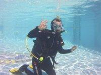 Bautizo de buceo en Estepona en piscina