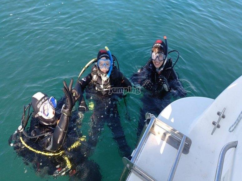 在埃斯特波纳海潜水
