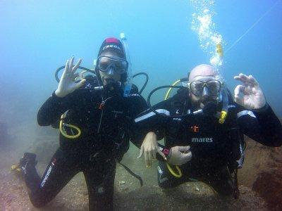 两次潜水游泳池和海上潜水在埃斯特波纳
