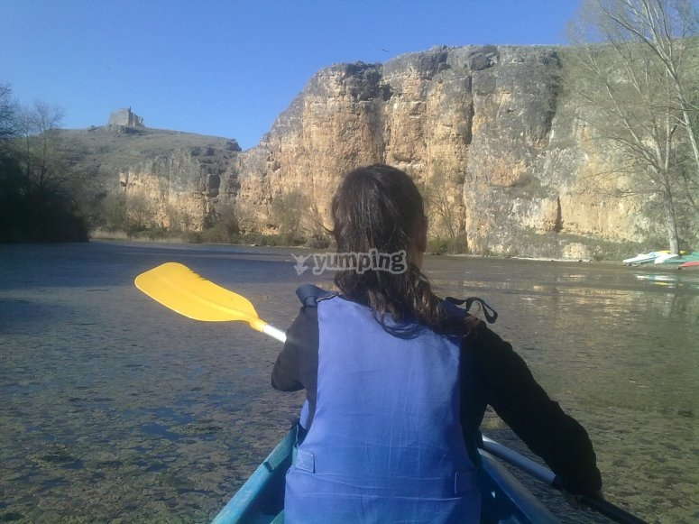 Doing kayaking with the life jacket