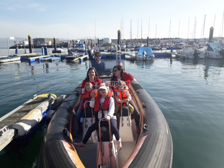 Salida familiar en barco Pontevedra