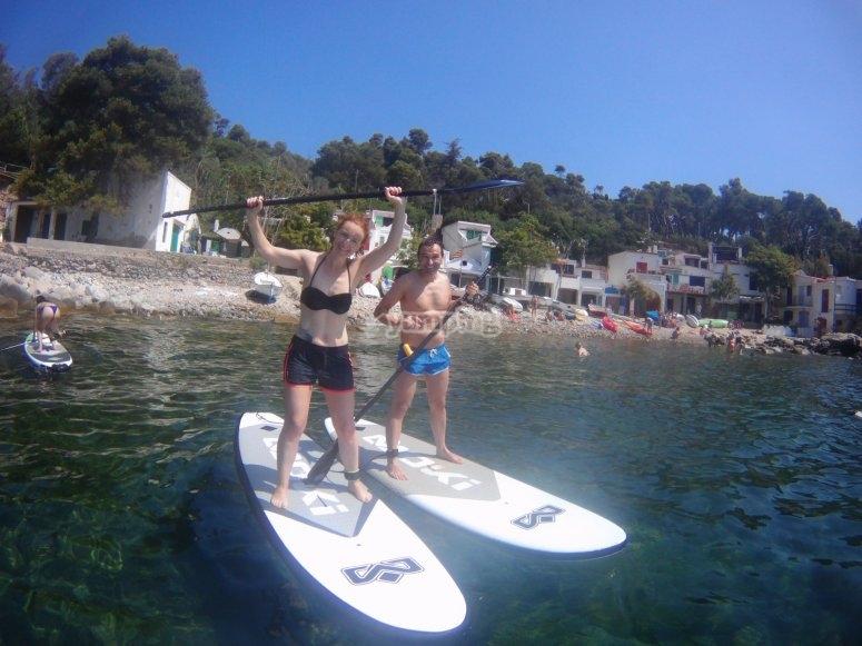 出发赫罗纳的桨冲浪