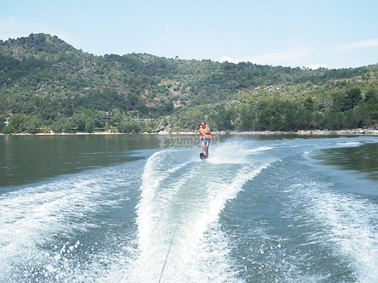 Practicando wakeboard en El Barraco