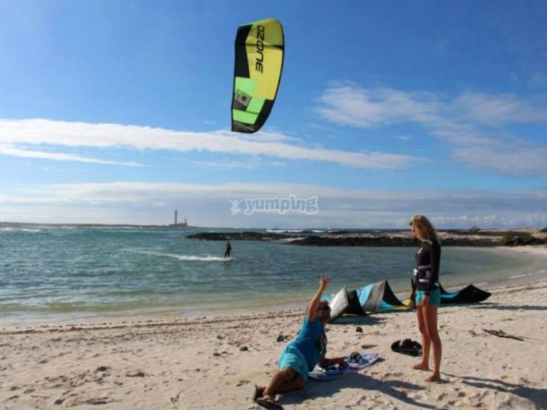 Preparando material de kitesurf