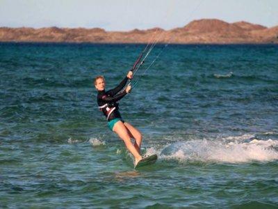 Curso de kitesurf en Fuerteventura 3-4 horas
