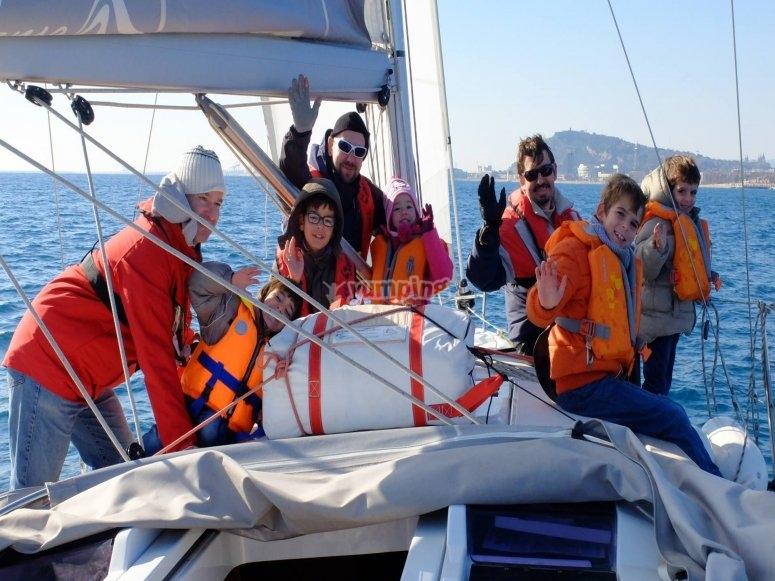 Escapada familiar en velero puerto Barcelona