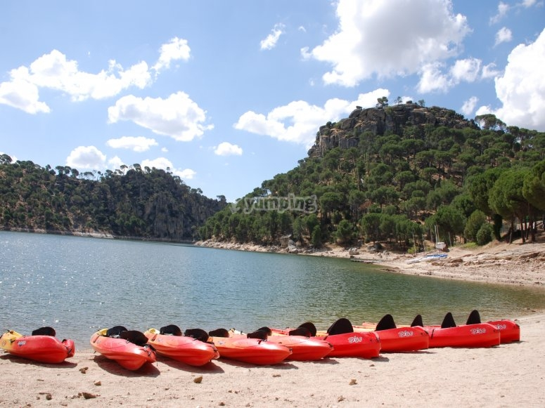 Flota de 40 canoas en Madrid